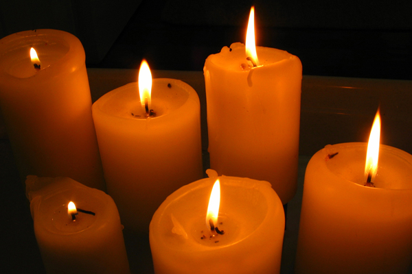 images/stories/HeaderImages/Frame4/prayer_candles.jpg